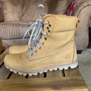 Women's timberland earthkeeper boots size 6.5